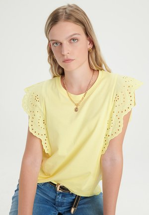 BRODERIE - Blouse - yellow
