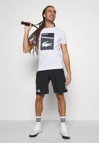 Lacoste Sport - GRAPHIC - T-shirt con stampa - white - 1
