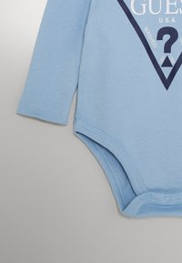Guess - CORE BABY - Body - frosted blue - 2