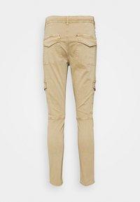 s.Oliver - Pantalones cargo - sand - 1
