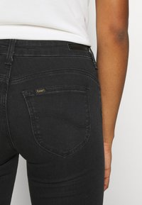 Lee - SCARLETT BODY OPTIX - Jeans Skinny Fit - black denim - 4