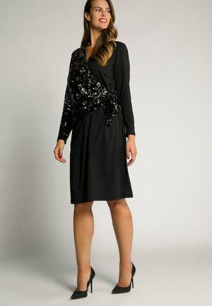 PAILLETTEN   V AUSSCHNITT - Cocktail dress / Party dress - schwarz
