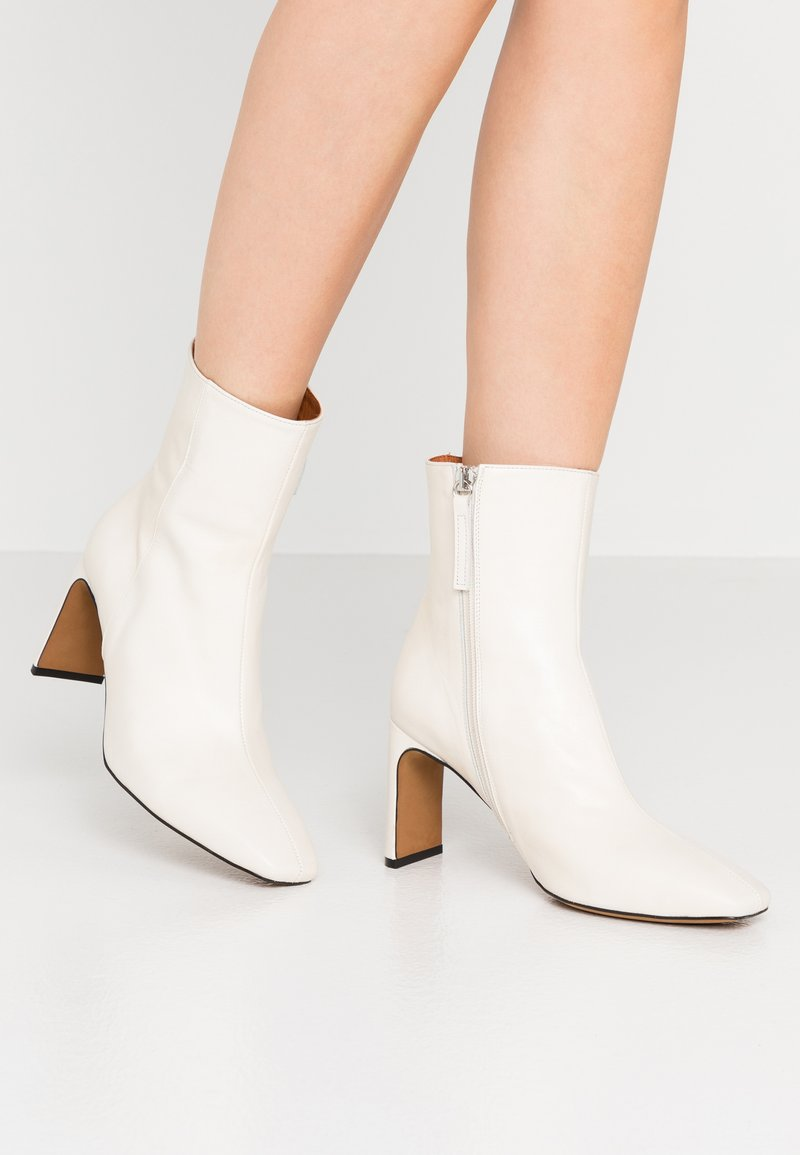 LAB - High heeled ankle boots - glacial