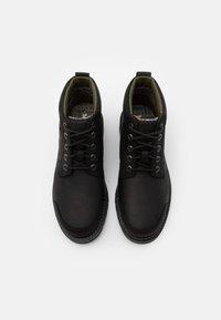 Timberland - LARCHMONT CHUKKA - Lace-up ankle boots - black - 3