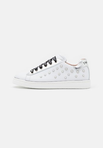 PEARLS - Joggesko - offwhite