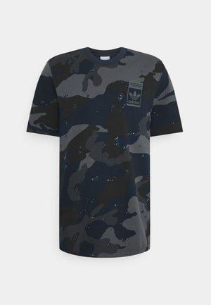 CAMO TEE - T-shirt con stampa - night navy
