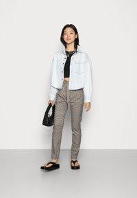 Vero Moda - VMEVA LOOSE PAPERBAG PANT  - Trousers - tobacco brown checks black/ white/ green - 1