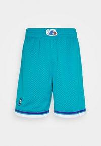Mitchell & Ness - NBA SWINGMAN SHORTS HORNETS - Sports shorts - teal - 4