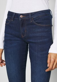Guess - CURVE X - Jeans Skinny Fit - camden - 4