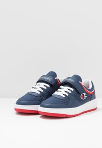 Champion - LOW CUT SHOE NEW REBOUND UNISEX - Basketball shoes - navy - 3