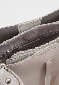 Inyati - CLÉO - Handbag - linnen grey - 4
