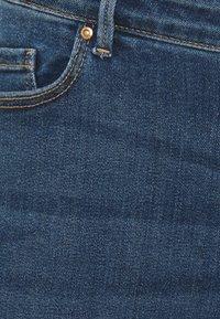 Pieces Curve - PCLILI - Slim fit jeans - medium blue denim - 4