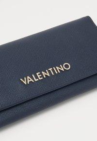 Valentino by Mario Valentino - DIVINA - Peněženka - navy - 3