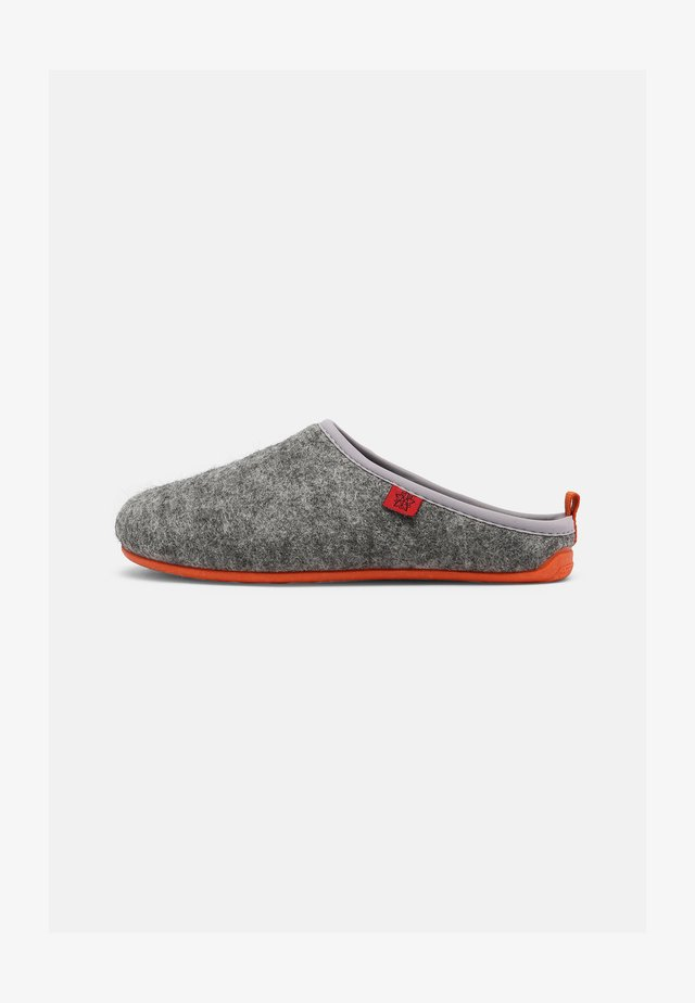 DYNAMIC UNISEX - Tohvelit - grey/orange