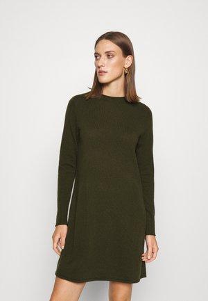DRESS - Gebreide jurk - bronze green