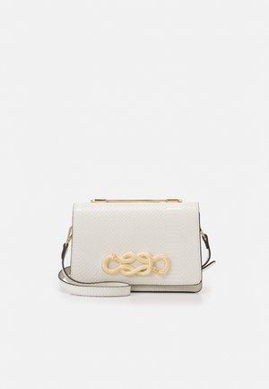 SPRIMONT - Kabelka - bright white/gold-coloured