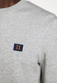Les Deux - PIECE - Sweatshirt - light grey melange - 9