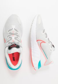 Nike Performance - RENEW RUN - Zapatillas de running neutras - summit white/flash crimson/oracle aqua - 1