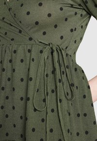 Gina Tricot - TUVA DRESS - Jersey dress - green - 4