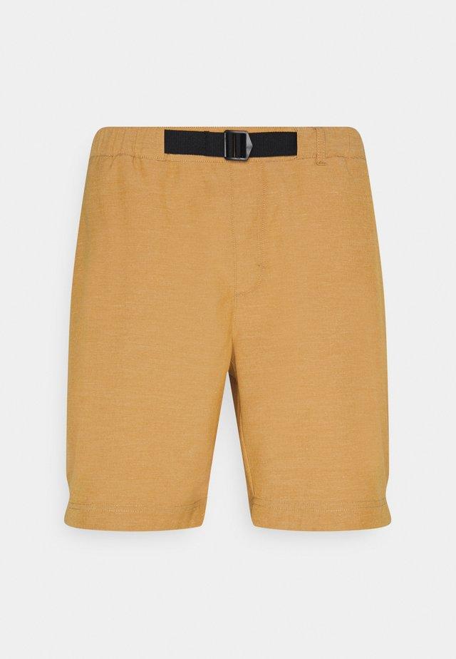 MILFORD - Shorts outdoor - camel