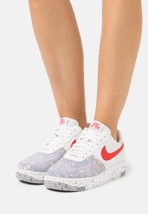AIR FORCE 1 CRATER - Sneakers laag - summit white/siren red