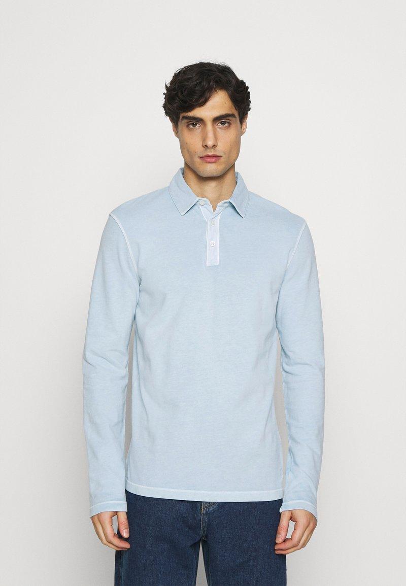 Marc O'Polo - LONG SLEEVE FLATLOCK DETAILS - Polo shirt - winter sky