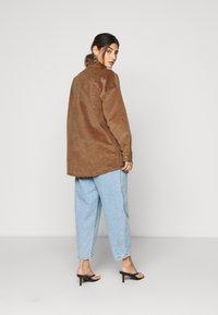 Noisy May Petite - NMFLANNY SHACKET PETITE - Summer jacket - toasted coconut - 2