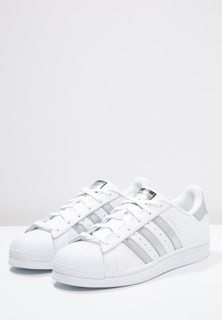 adidas Originals SUPERSTAR Sneaker low whitesilver
