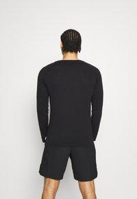 Jack & Jones - JCOFINN TEE  - Long sleeved top - black - 2