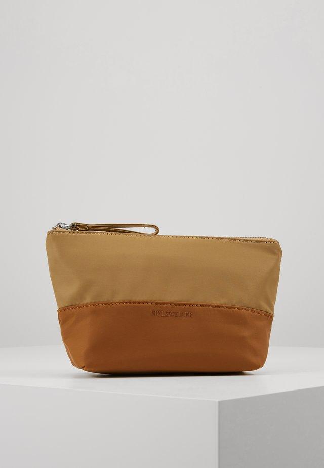 PIFF SMALL - Wash bag - camel