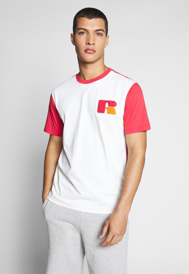 ZAYN - T-shirt med print - soya