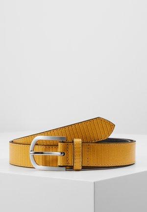 Cinturón - gelb