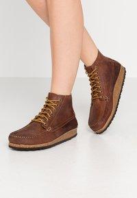 Birkenstock - MARTON - Kotníková obuv - roast - 0