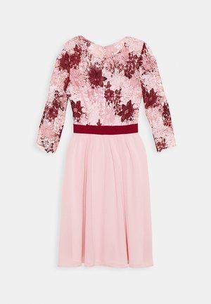 SUTTON DRESS - Cocktailkjoler / festkjoler - pink