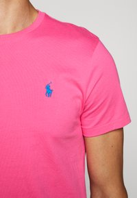 Polo Ralph Lauren - SHORT SLEEVE - T-shirt basic - blaze knockout pink - 6