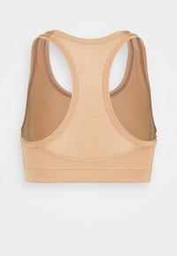 Casall - ICONIC SPORTS BRA - Medium support sports bra - clean beige - 6