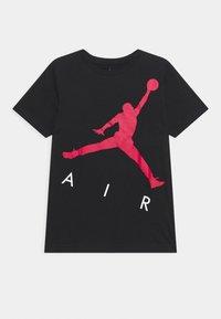 Jordan - JUMPING BIG AIR UNISEX - Camiseta estampada - black - 0