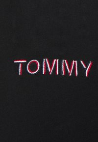 Tommy Jeans - LINEAR TEE - Print T-shirt - black - 2