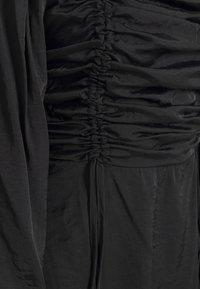 Missguided - RUCHED BUST ALINE DRESS - Kjole - black - 2