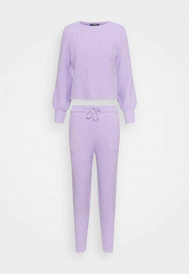 TEXTURED JUMPER AND JOGGER SET - Jersey de punto - lilac