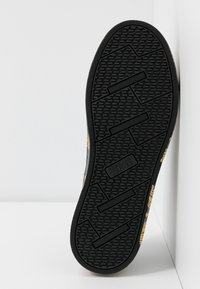 Versace Jeans Couture - CAP SOLE - Tenisky - nero/oro - 6