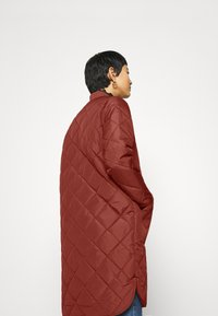 Selected Femme - SLFNATALIA QUILTED COAT - Bomber Jacket - smoked - 3