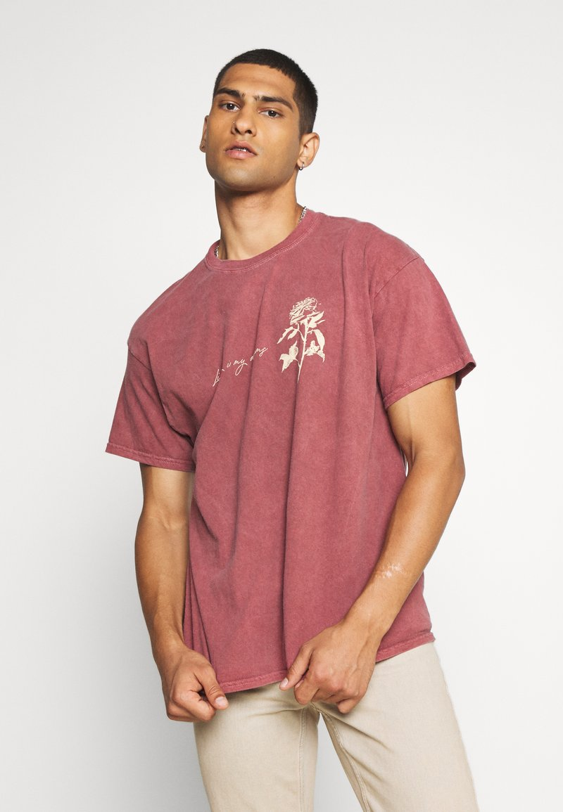 Mennace - IN MY DREAMS - T-shirt con stampa - oxblood