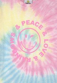 Cotton On - LICENSE SHORT SLEEVE - Print T-shirt - light pink - 2