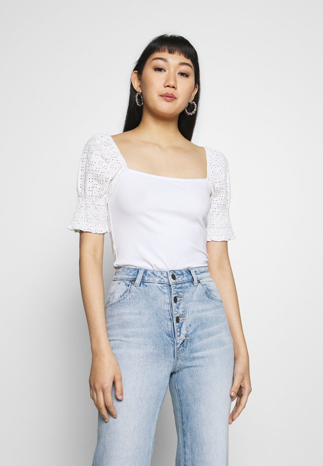 NMBONNY PUFF  - Print T-shirt - bright white