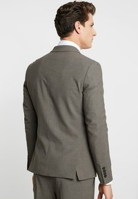 Lindbergh - PLAIN SUIT  - Puku - light brown - 4