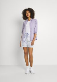 Nike Sportswear - Shorts - light thistle - 1