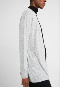 Vero Moda Tall - VMBELINDA CARDIGAN - Pitkähihainen paita - medium grey melange - 3