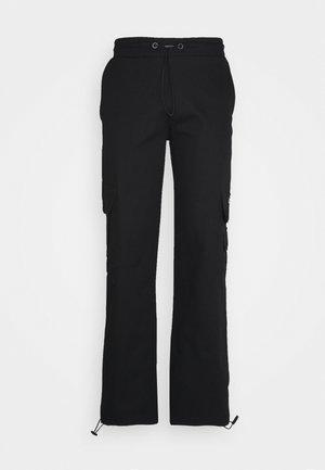 UTILITY PANT - Reisitaskuhousut - black