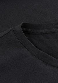 Phyne - THE ROUND NECK - T-shirt basique - black - 3